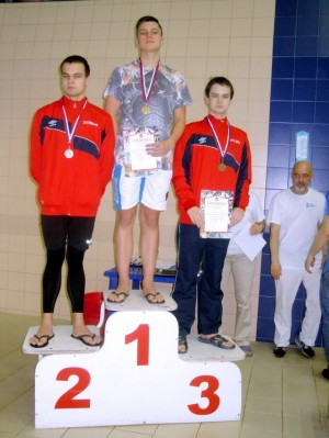 Дмитрий Зуйков II место, Бородин Никита III место на 800м в ластах