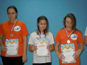 Чемпионка на дистанции 400 и 200м Гурьева Светлана