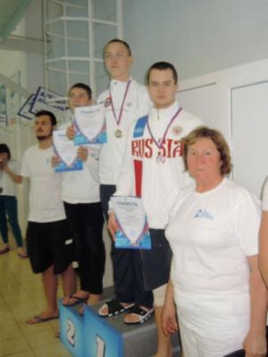 Бородин Никита - III место на 400м.