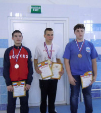 Зуйков Дмитрий (в центре) завоевал золото и серебро.