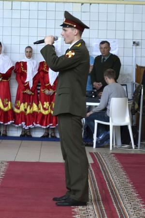 Солист ансамбля песни и пляски Приволжского округа войск национальной гвардии РФ