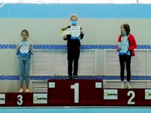 Первое место на дистанции 100м брасс - Коптарь Валерия